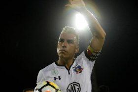 ¡Monumental incendiado! Hinchas de Colo Colo explotaron con posible renuncia de Esteban Paredes