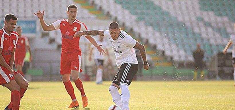 Nicolás Castillo, Benfica, video, primer gol, amistoso, Napredak, Serbia