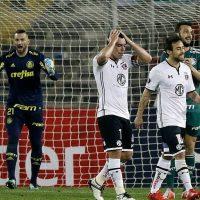 [FOTOS] Hinchas de Colo Colo destrozaron a su figura por el mal rendimiento ante Palmeiras