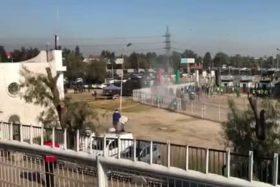 """[VIDEO] ¡Lo que faltaba! La violenta pelea entre facciones de """"los cruzados"""" en La Cisterna"""