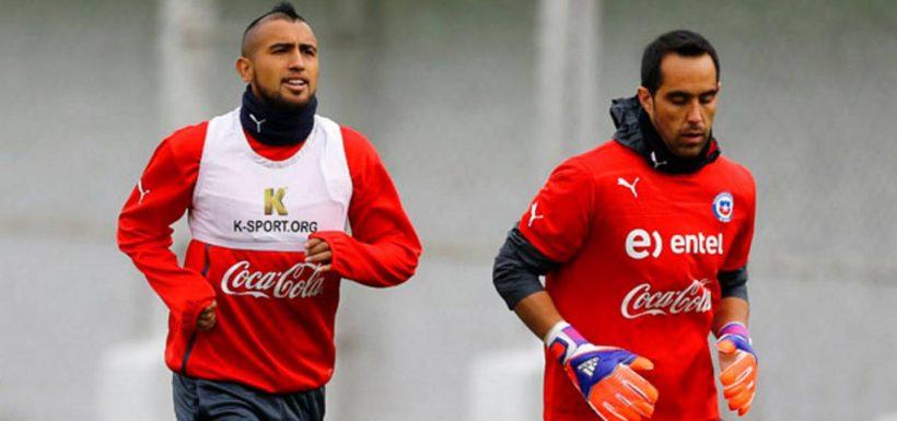 [FOTOS] Claudio Bravo y Arturo Vidal se unieron... Pero para felicitar a Deportes Temuco