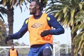 Usain Bolt, futbolista profesional, Coast Mariners, Central Coast Select, Australia
