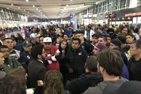 Hinchas, Colo Colo, Emirates, Aeropuerto, discriminación