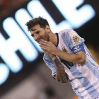 Impacto mundial causó la decisión de Lionel Messi, quien decidió bajarse hasta nuevo aviso de la Selección Argentina tras el rotundo fracaso en el Mundial de Rusia, que se suman a las dos derrotas frente a Chile en las últimas finales de Copa América.