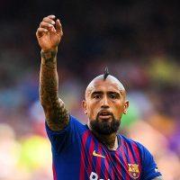 """[FOTO] Prensa española asegura que el camarín del FC Barcelona """"paró en seco"""" a Arturo Vidal por publicación en Instagram"""