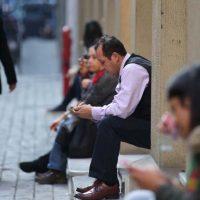 ¡Preocupación! Tasa de desempleo en el Gran Santiago volvió a subir con fuerza entre las mujeres