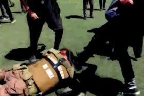 [VIDEO] ¡Insania pura! Alcalde de Santiago filtró brutal golpiza de estudiantes del INBA contra Carabineros
