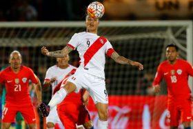 ¡Siguen provocando! Paolo Guerrero se sumó a las provocaciones y calentó el duelo ante Chile