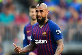¡Golpe al mercado! Ex equipo de Arturo Vidal está interesado en sacarlo del drama que vive en Barcelona