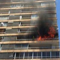 Incendio afecta a las torres Bilbao en Las Condes