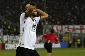 ¡Báñenlos en agua bandita! Las malas noticias siguen en Colo Colo y temen por la Sudamericana