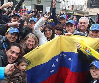Gobierno promueven empleo para venezolanos en Chile