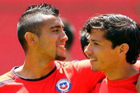 [FOTO] ¡Habló el popular! Hinchas de Colo Colo se inclinan por el regreso de Vidal antes que Fernández
