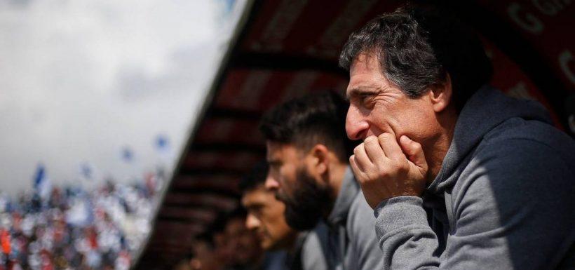 Lo tienen claro: Hinchas de Colo Colo se manifestaron por la supuesta llegada de Mario Salas al Monumental