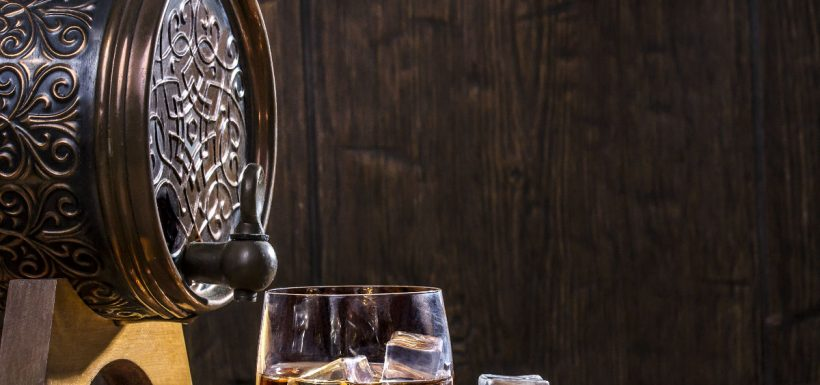 En US$ 1,53 millones se subastó la botella de whiskymás cara del mundo