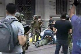 [VIDEO] Salvaje agresión a Carabineros durante marcha por Catrillanca será investiga