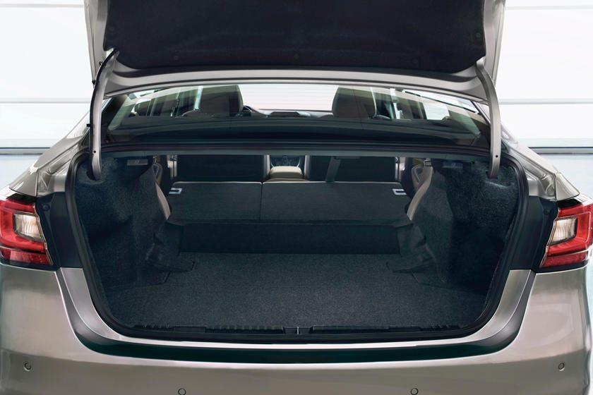 2020 Subaru Legacy maleta