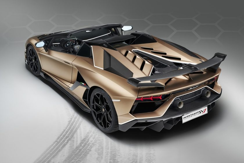 Lamborghini Aventador SVJ Roadster atrás