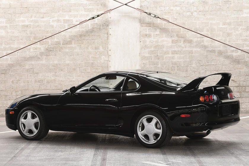 Toyota Supra de lado