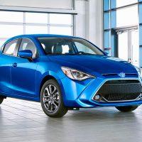 Toyota presentó su nuevo auto que comparte plataforma con el Mazda2