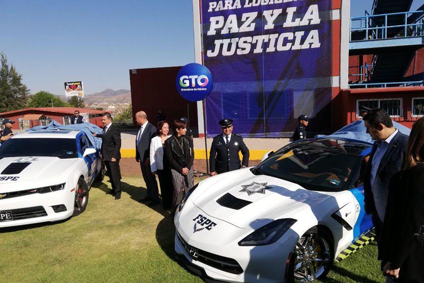 Policía mexicana incorporó superautos de narcos