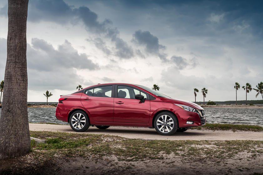 Nissan presentó su nuevo Sedán