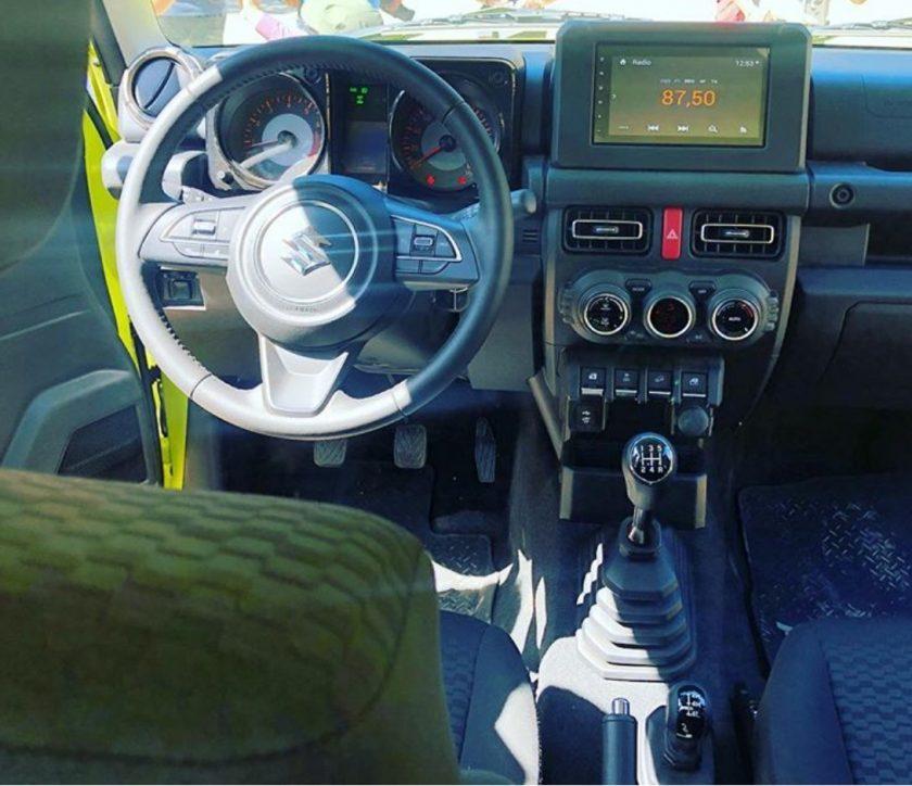 interior Jimny