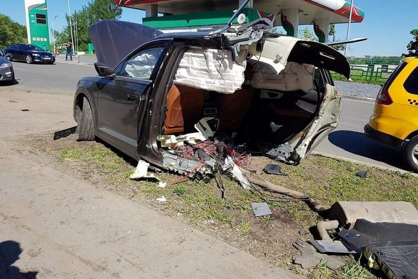 Audi Q7 crash
