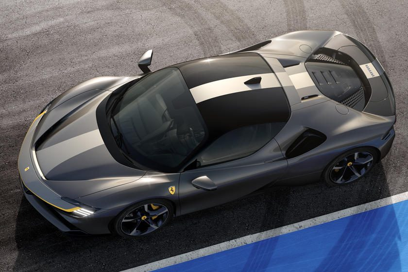 Ferrari SF90 Stradale stripe