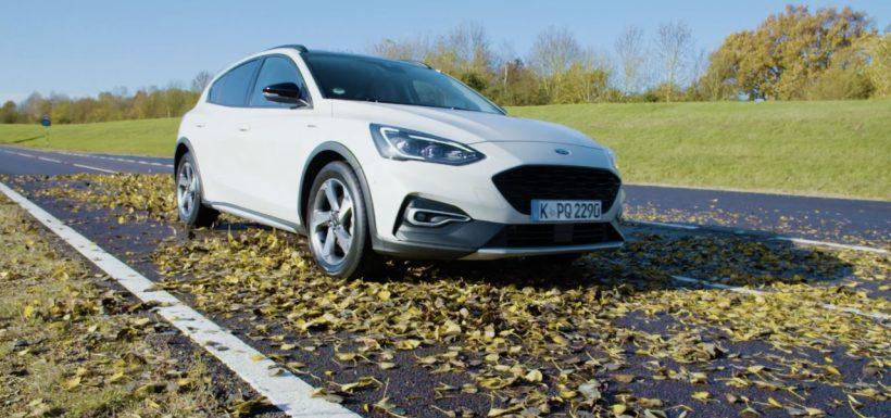 Las hojas mojadas pueden ser tan resbaladizas como la nieve