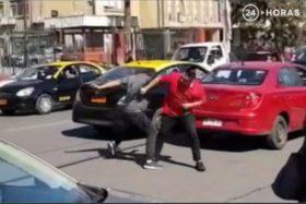 violenta pelea uber taxista