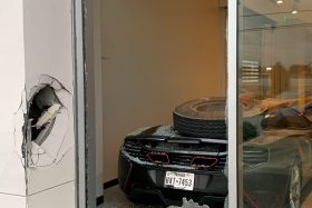 McLaren 650s destruido por rueda