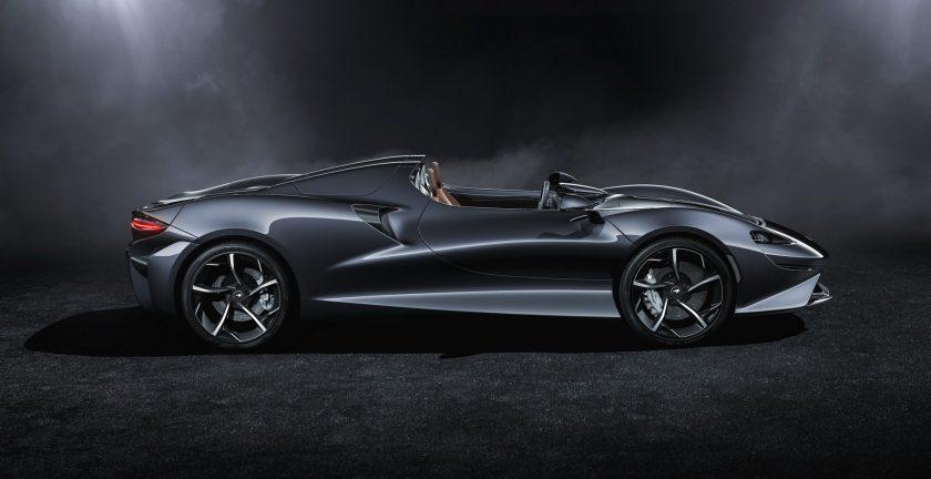 McLaren Elva side