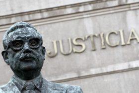 estatua de Salvador Allende