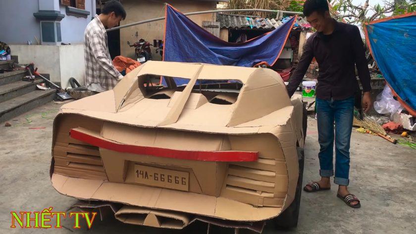 Bugatti Chiron de cartón