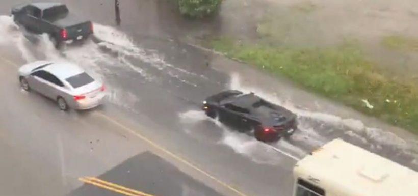 McLaren 600LT inundación