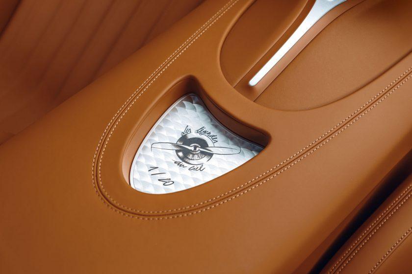 Bugatti Chiron Sport Les Legends du Ciel interior