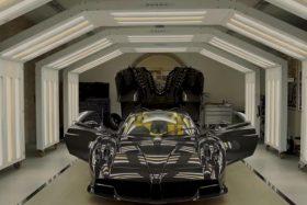 Huayra Roadster