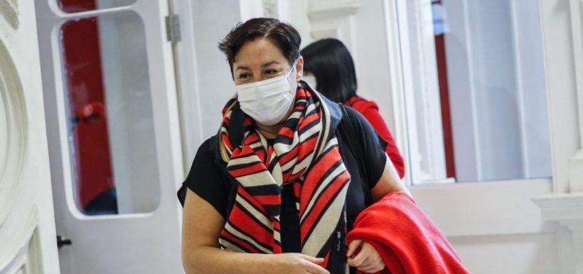 Beatriz Sánchez defendió la gestión de Elisa Loncon en la CC.