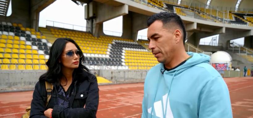 Esteban Paredes junto a Pamela Díaz.